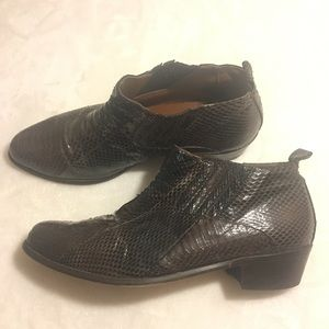 Stacy Adams Genuine Snake Ankle Boots